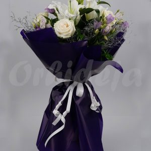 Buket - Beli ljiljan, bele ruže i lizijantus