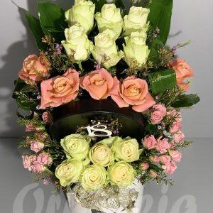 Bele, naradžaste i roze mini ruže. Cvecara Ohideja Valjevo